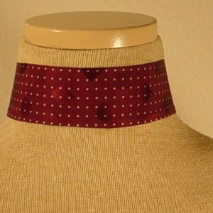 Choker_-_Burgundy_and_WHite